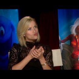 Reese Witherspoon / über GIGANTIKAs erstes Treffen mit den anderen Monstern - OV-Interview Poster
