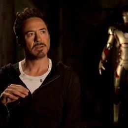 Robert Downey Jr - Tony Stark bzw Iron Man - über den Erfolg dieses Franchises - OV-Interview Poster
