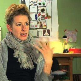 Neele Leana Vollmar über Karoline Herfurth als Tanja Doretti - Interview Poster