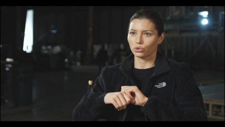 "Jessica Biel - ""Capt. Charisa Sosa"" über das ""A-Team"" - OV-Interview Poster"