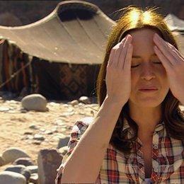 Emily Blunt - Harriet Chetwode-Talbot über das Drehbuch - OV-Interview Poster