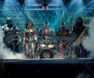 """Kostüm-Kritik: So reagiert das Netz auf die neuen Bilder der """"Justice League"""""""