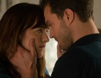 "Kinocharts: ""Fifty Shades of Grey 2"" legt heißen Start hin"