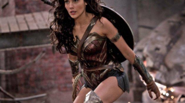 """""""Wonder Woman"""": Erste Fanreaktionen zum neuen DC-Superheldenfilm sind eindeutig Poster"""