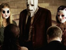 """The Strangers 2: Prey at Night"" – Trailer kündigt die Rückkehr der maskierten Killer an"