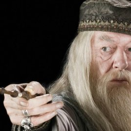 """Phantastische Tierwesen"": Joanne K. Rowling dementiert offiziell Gerücht um Dumbledore"