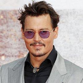 Fans sorgen sich wegen aktueller Bilder um Johnny Depp!