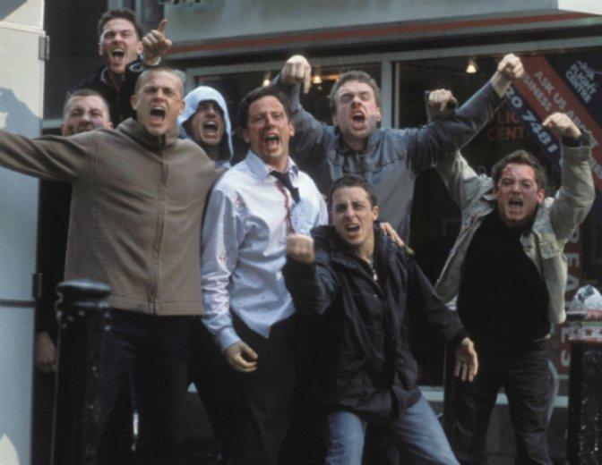 """Mit Elijah Wood wird er zu """"Hooligans"""" (2005) © Ascot Elite"""