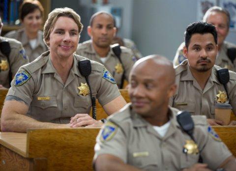 Dax Shepard als tollpatischger Cop an der Seite von Michael Peña in der von ihm selbst produzierten CHiPS © WArner