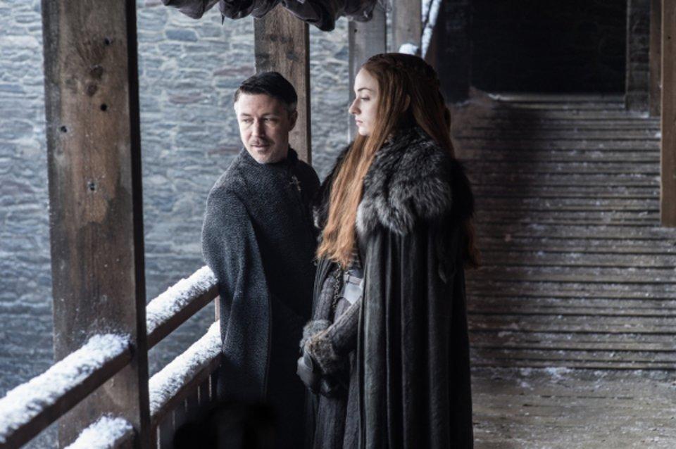 Littlefinger lässt wieder seine Manipulationskünste spielen. Wie ist Sansas Blick zu deuten? © HBO