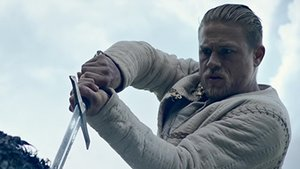 """Kinocharts: """"King Arthur"""" bekommt das Schwert nicht aus dem Stein"""