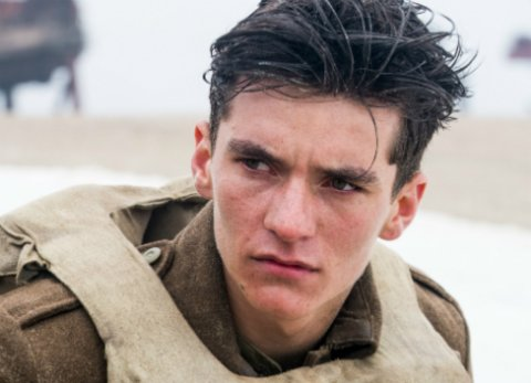 """Necomer Fionn Whitehead in """"Dunkirk"""" von Christopher Nolan © Warner"""