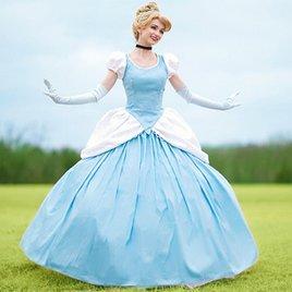 """""""Schneewittchen"""" oder """"Cinderella"""": Für 12.000 Euro will diese Frau jede Disney-Prinzessin sein!"""