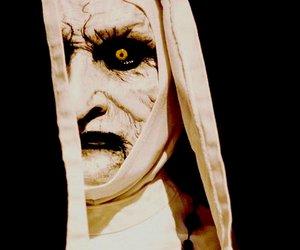 """""""The Nun"""": Erste Bilder zur Horror-Nonne aus dem """"Conjuring""""-Spin-off"""