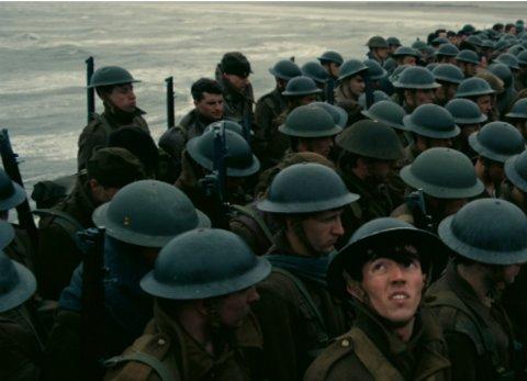 """Britische Soldaten kämpfen ums Überleben in Christopher Nolans Kriegsfilm """"Dunkirk"""" © Warner"""