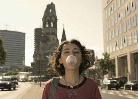 """Schauspielerin Emily Kusche in der Bestsellerverfilmung """"Tigermilch"""" © Constantin Film"""