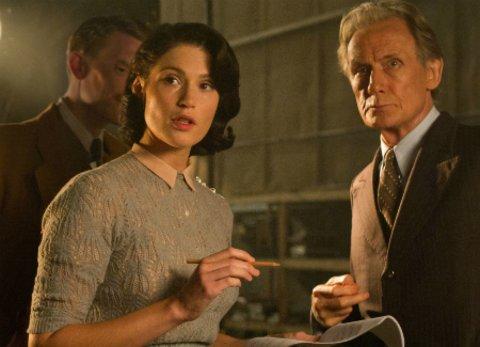"""Gemma Arterton und Bill Nighy in der Tragikomödie """"Ihre beste Stunde - Drehbuch einer Heldin"""" © Concorde"""