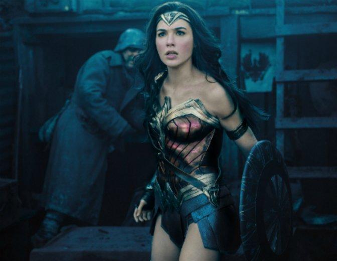 Andere Uniform, starke Durchschlagskraft: Wonder Woman © Warner