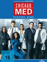 Chicago Med - Staffel 1 Poster