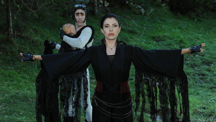 Die Vampirschwestern 3 - Reise nach Transsilvanien - Trailer Poster