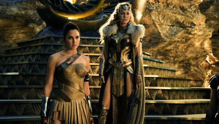 Wonder Woman - Trailer 5 - deutsch.mp4 Poster