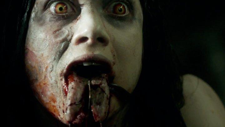 Alien - Das unheimliche Wesen aus einer fremden Welt - Bei diesen Szenen müssen selbst Horror-Fans schlucken! (#1) Poster