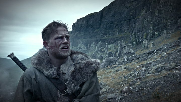 King Arthur - Legend of the Sword - Trailer 4 Deutsch Poster
