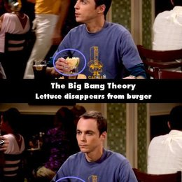 """The Big Bang Theory - """"The Big Bang Theory"""": 10 Fehler, die uns noch nie aufgefallen sind (#7) Poster"""