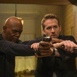 Dwayne Johnson - Die 17 besten Action-Filme 2017 im Überblick (#5) Poster