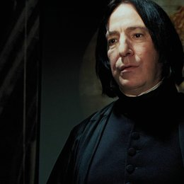 "John Hurt - ""Harry Potter"": Diese 16 Stars aus den Filmen sind bereits verstorben (#6) Poster"