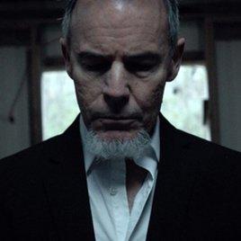 """""""Demons"""": Schauspieler Miles Doleac überrascht mit neuem Exorzismus-Film"""