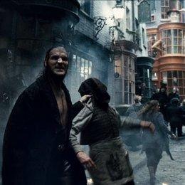 "John Hurt - ""Harry Potter"": Diese 16 Stars aus den Filmen sind bereits verstorben (#8) Poster"
