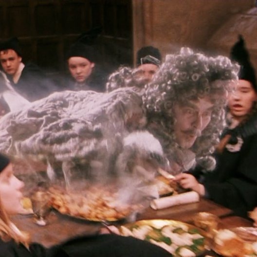"John Hurt - ""Harry Potter"": Diese 16 Stars aus den Filmen sind bereits verstorben (#5) Poster"