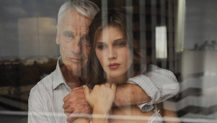 Jung & Schön (VoD-/BluRay-/DVD-Trailer) Poster