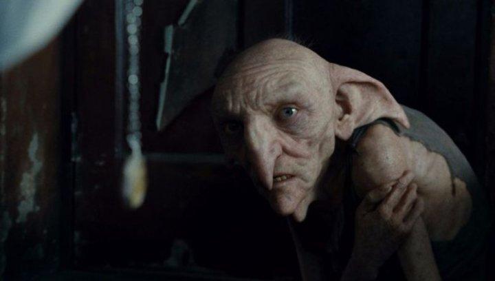 """Harry Potter und die Heiligtümer des Todes Teil 1 - """"Harry Potter"""": Diese 16 Stars aus den Filmen sind bereits verstorben (#15) Poster"""