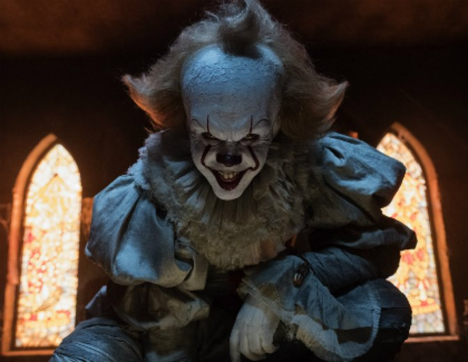"Pennywise der Clown in der Neuverfilmung des Stephen King Klassikers ""Es"" von 2017 © Warner"