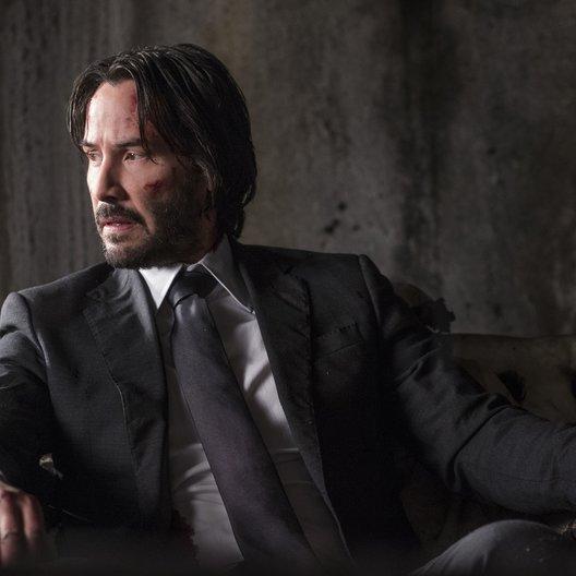 Keanu Reeves - Das sind die 11 unglaublichsten Verschwörungstheorien aus Hollywood! (#2) Poster