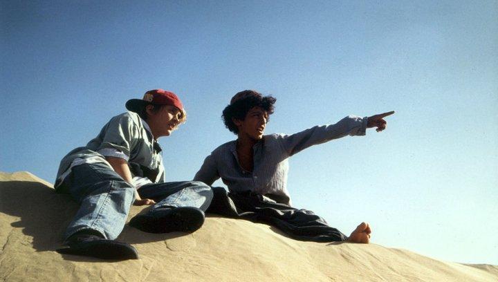 Karakum: Ein Abenteuer in der Wüste - Trailer Deutsch Poster