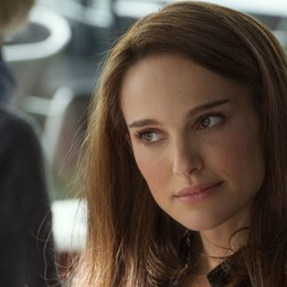 Emma Watson - 13 Hollywood-Stars, die schon mal für tot erklärt wurden! (#3) Poster