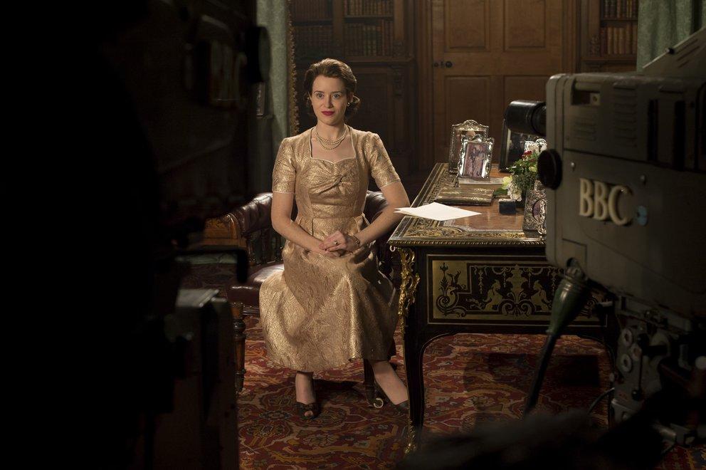 """Elizabeth hält ihre erste Weihnachtsansprache im TV: """"The Crown"""" Staffel 2 © Netflix"""