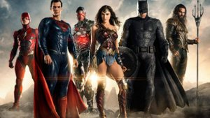 "Chinesisches Filmposter: ""Justice League"" tötet die ""Avengers"""