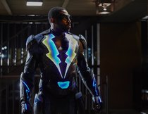 """Black Lightning"": Start im Stream im Januar 2018 bei Netflix!"