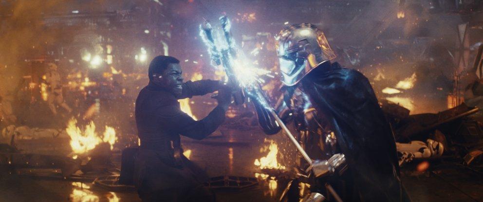 Finn und Captain Phasma in Star Wars 8: Die letzten Jedi © Disney