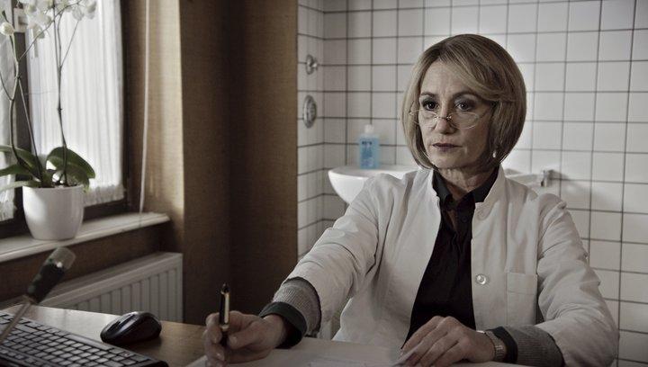 Die Anfängerin - Trailer Deutsch Poster