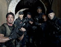"""Expendables"": Sylvester Stallone macht Fans neue Hoffnung"