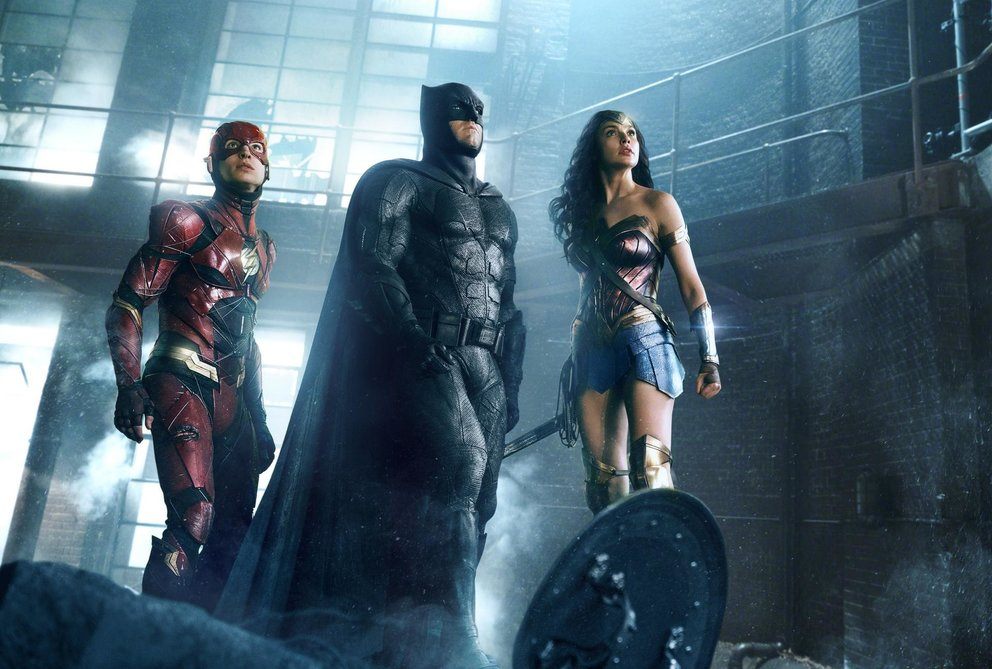 Justice League Batman Flash Wonder Woman Ben Affleck Gal Gadot Ezra Miller