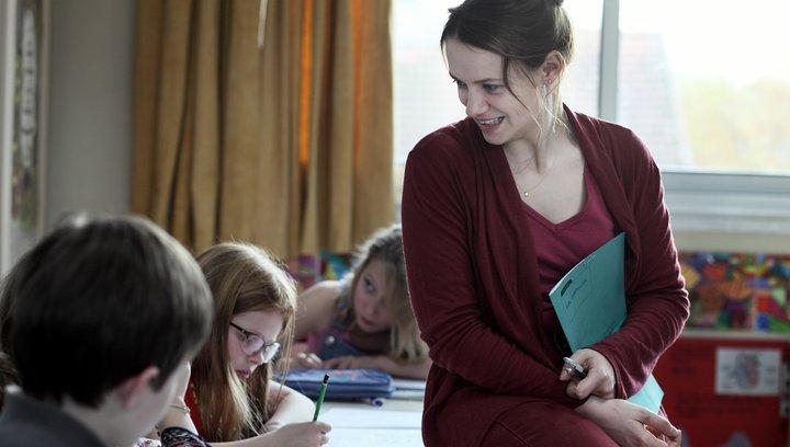 Die Grundschullehrerin - Trailer Deutsch Poster