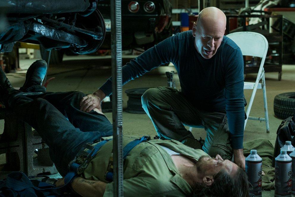 Paul Kersey (Bruce Willis) foltert eines seiner Opferin Death Wish © Universum © Universum
