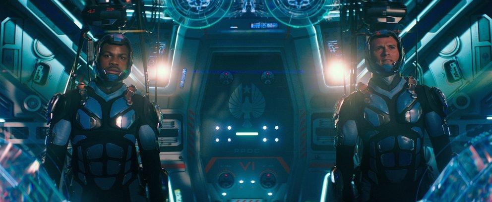 John Boyega als Jake Pentecost und Scott Eastwood als Nate Lambert in Pacific Rim 2 © Universal.© Universal
