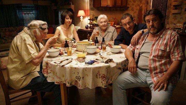 Die Sch'tis in Paris - Eine Familie auf Abwegen - Trailer Poster